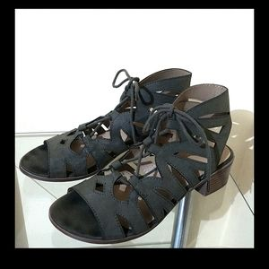 Citiclassified Caged Sage Green Sandals 8